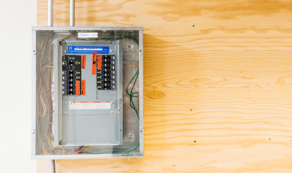 How Long Does it Take to Complete Electrician Trade School?