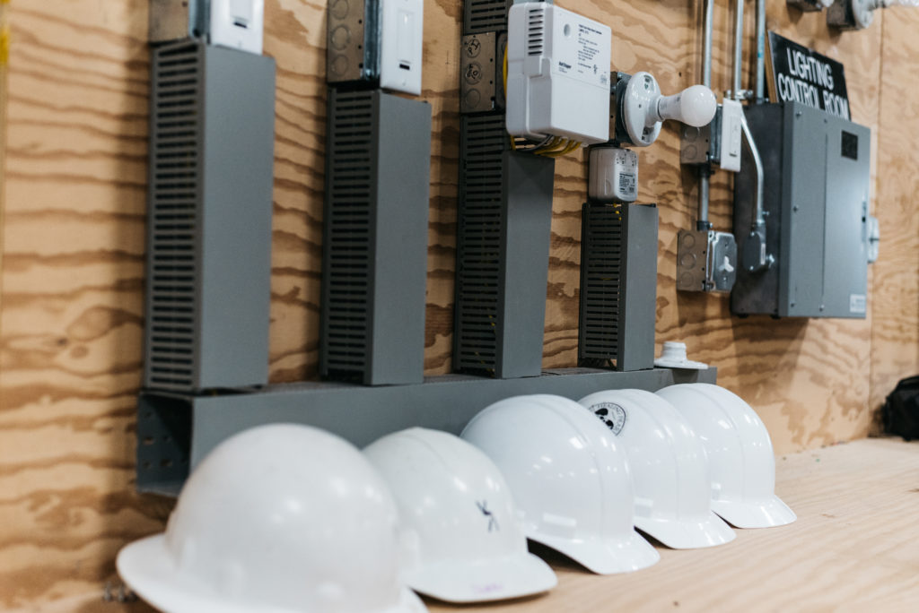 The Differences Between Residential and Commercial Electricians