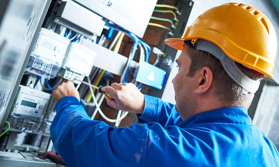 How do you get a C-10 electrical contractor license?